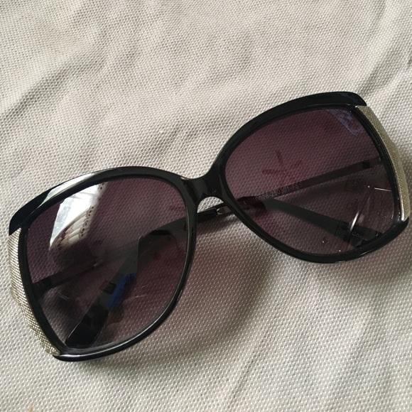 5c27c464ab37 Franco Sarto Accessories - Franco Sarto sunglasses