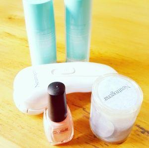 Neotrogena Naturals Face Wash