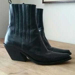 Donald J. Pliner Shoes - Donald Pliner Short Boots 6.5