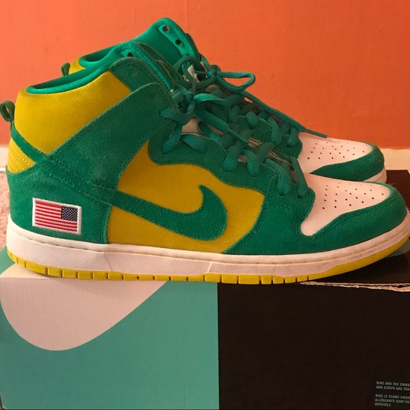 61f3d19f368b4 Nike dunk Oakland Athletics