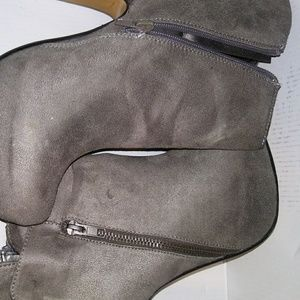 logan Shoes - Stylish Gray Ankle Booties