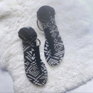 TOMS black and white woven Playa sandals