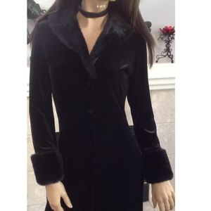 FOREVER 21 LONG JACKE FAUX FUR COLLAR CUFFS S