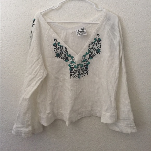 3dac5b5c3f6 jaase Tops - Jaase bell sleeve embroidered blouse top bohemian