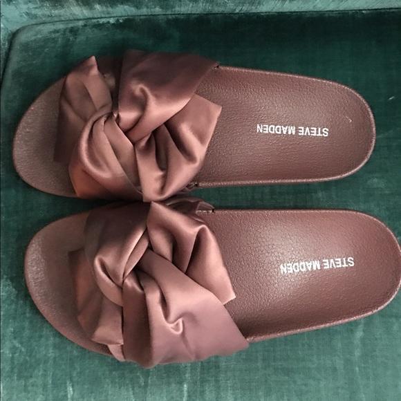 Precio de fábrica 2019 Super descuento nuevo baratas Steve Madden Shoes   Silk Slides   Poshmark