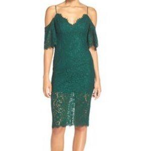Bardot Dresses & Skirts - Bardot Karlie shoulder emerald dress❤️