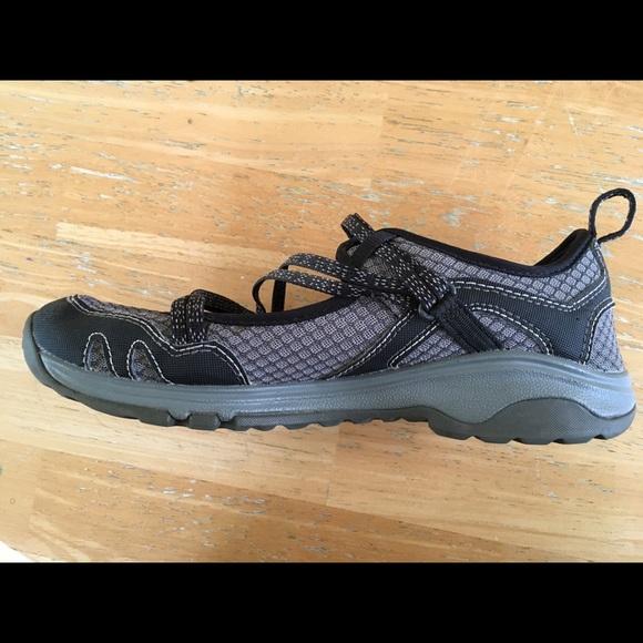 Buy Women S Outcross Free Shoe