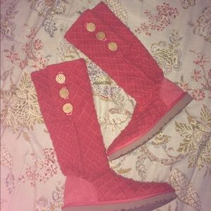 UGG Shoes - Salmon knit Uggs!!