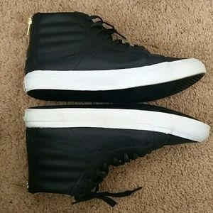9937a09c9c Vans Shoes - Vans leather sky Hi slim zip me w9.5