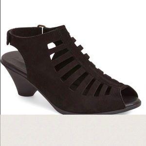Arche Shoes - Authentic Arche 'Exor' Sandal🌻💐