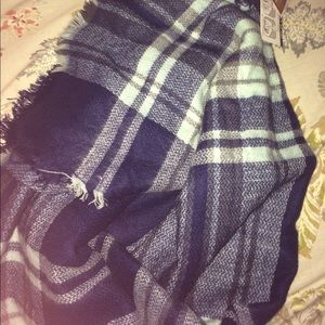 Accessories - Soft comfy blanket scarf