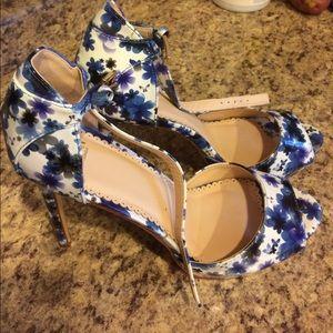 Madison by ShoeDazzle Platform Heels