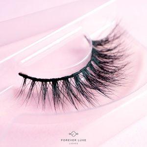 60fe700895f Forever luxe Lashes's Closet (@foreverluxe) | Poshmark