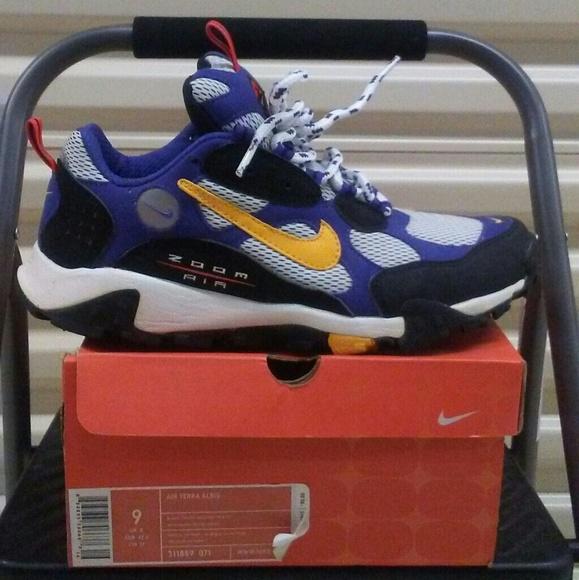 Nike air terra albis