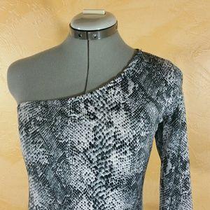 Dresses & Skirts - 5/$25 Bodycon Stretch One Shoulder Dress