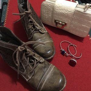 Xoxo rustic lacey booties