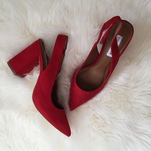 Steve Madden Shoes - NEW Steve Madden Dove Pointy Toe Pump in Red