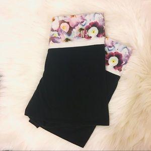 PINK Victoria's Secret Pants - 💕NEW Victoria's Secret yoga shorts,M
