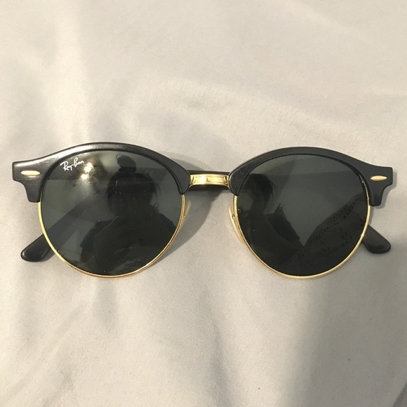 8864bebc02 Ray Ban Clubround Black Gold Retro Sunglasses. M 591678def0137d37a70297ff