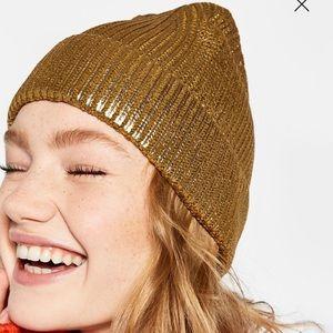 54f894dd039 Zara Accessories - 📦MOVING SALE📦 Zara Gold Beanie