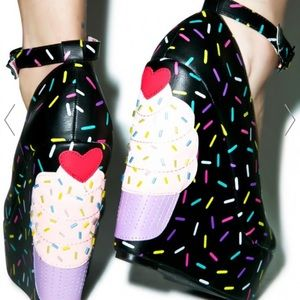 Iron Fist Shoes - Iron Fist Bakers Dozen Wedges Cupcakes black sz 6