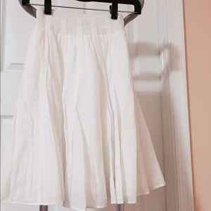 Banana republic skirt, nwot, white, pxs.