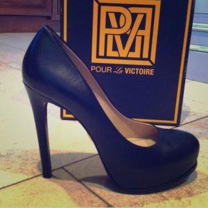 Pour la victoire black leather pumps