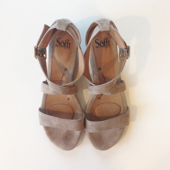 36 Off Sofft Shoes Sofft Innis Suede Wedge Sandals 9