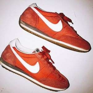 ✨lowest price✨Red Nikes