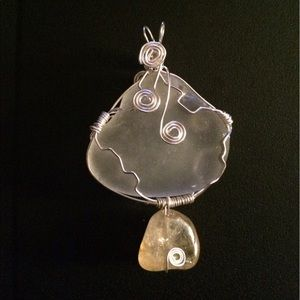 Jewelry - 🌊Beach glass and citrine pendant🌊