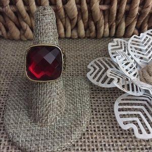Jewelry - Red Glass Goldtone Fashion Ring sz 7.5