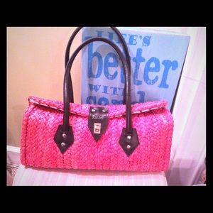 Rachel Handbags - Coral straw purse by Rachel 👜👜