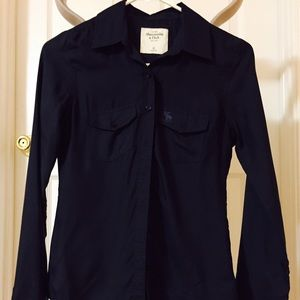 Abercrombie & Fitch silk shirt, nwot, navy, xs.