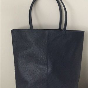 Saks Fifth Avenue Handbags - Never been worn Saks Fifth Avenue navy large tote