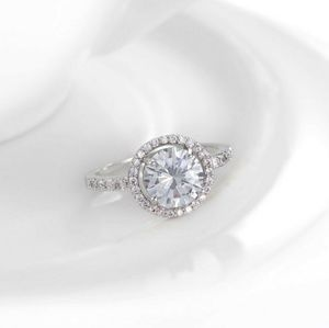 Jewelry - New In!! Round AAA Cz Diamond & 18k Platinum Ring