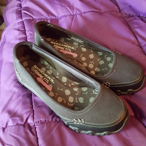 skechers relaxed fit air cooled memory foam womens