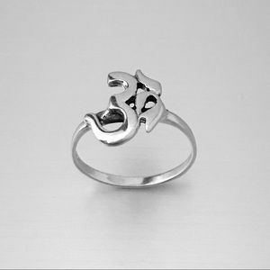 Jewelry - Sterling Silver Solo OM Ring