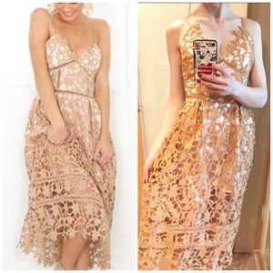 Super feminine lace mide dress
