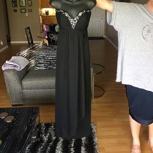 Xscape Dresses & Skirts - Strapless Dress