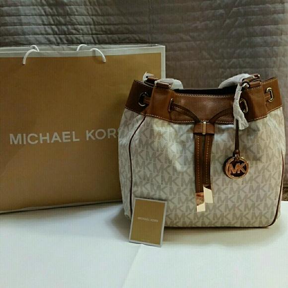 ee5db325565d53 MICHAEL Michael Kors Bags | Authentic Michael Kors Vanilla Marina ...