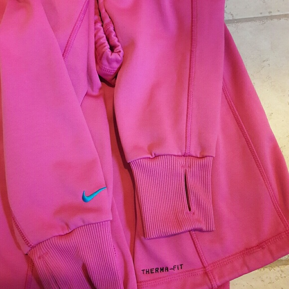 58 Off Nike Sweaters - Nike Womens Thumb Holes Hooded -8834