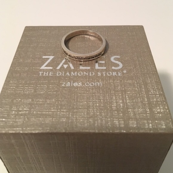 56 off Zales Jewelry Diamond Band Ring Size 65 Poshmark