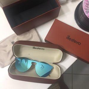 Illesteva Accessories - Illesteva Leonard Mask Sunglasses