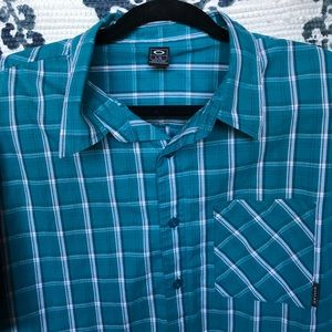 Oakley Other - ✨PRICE DROP • OAKLEY BUTTON DOWN