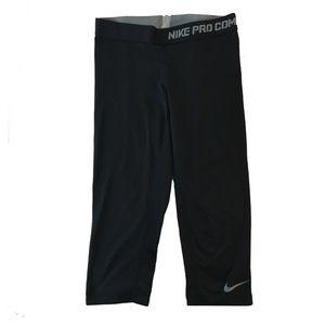 Nike Pants - Nike Pro Combat Capri Legging