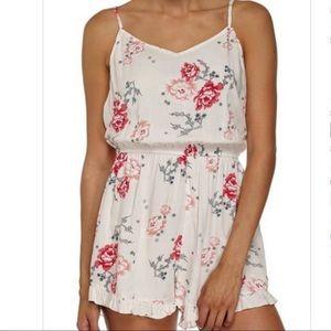 Dresses & Skirts - Sale!🦋Flowery Romper