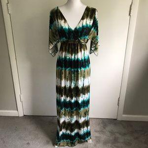 St Tropez West Dresses & Skirts - St Tropez West Maxi Dress