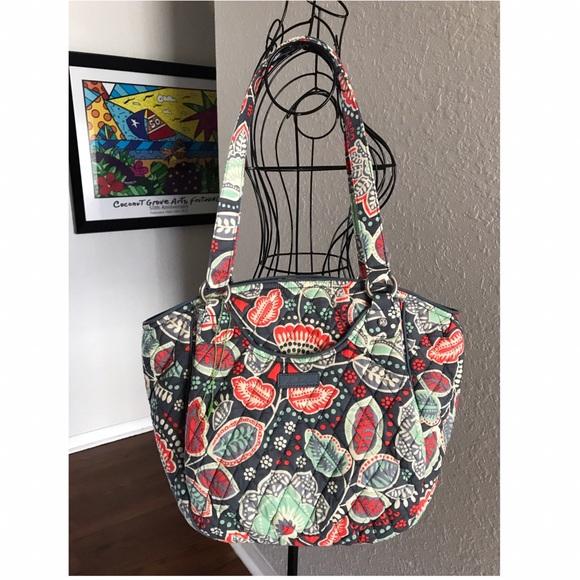 06f8d4b0a63 Vera Bradley Nomadic Floral Glenna Shoulder Bag. M 59175fdd6a5830d61c016ded