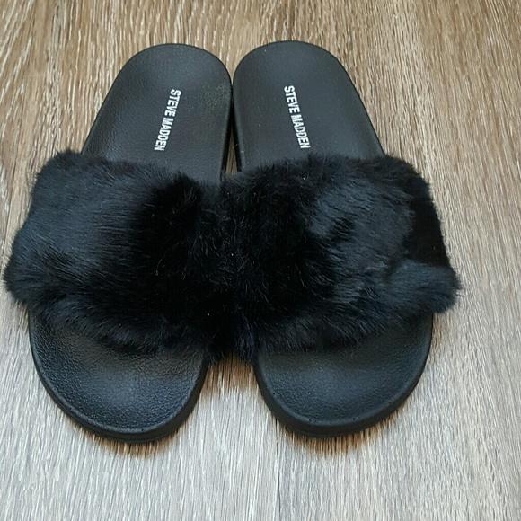 7d33fae73d3 Steve Madden black softey fur slides