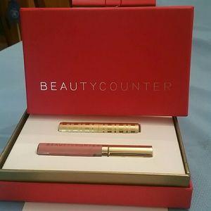 Beautycounter  Other - Beautycounter Luminous Nudes Gift Set